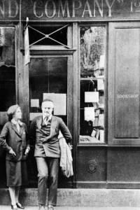 Sylvya Beach, Hemingway, 1942, americani a Parigi